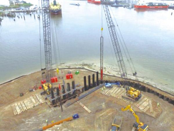 美国休斯敦燃料油码头项目 24米 ZZ1