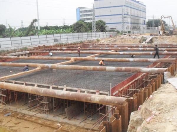 越南深基坑支护欧冠联赛万博a 12米 400x12